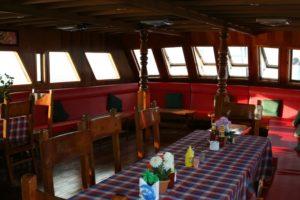 Maledivy - Saloon